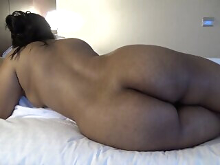 Look at DESI CURVY BOOTY amateur
