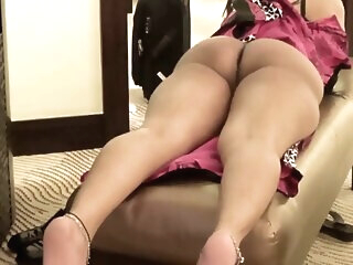 Look at Indian bhabi showing ass and fucked hard amateur